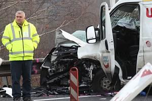 Dopravní nehoda na silnici I/63 u Řehlovic.