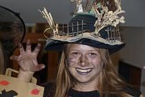 V Domě dětí a mládeže si dala sraz strašidla, slavila Halloween po česku.