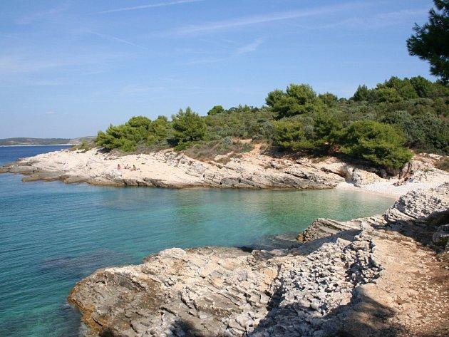 Typický pohled na zdejší pobřeží.