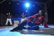 VLADIMIR GONČAROV tančí v Cikánských kořenech postavu romského chlapce Čobana, Romea z ghetta.