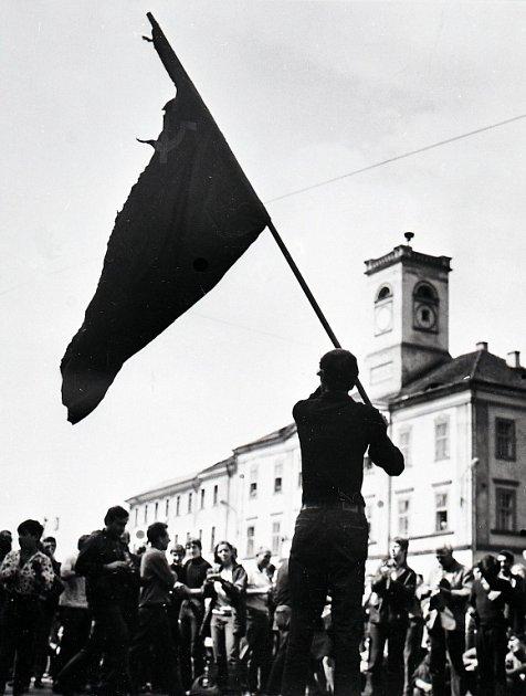 Počátky okupace vÚstí.