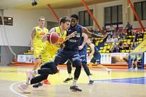 Druhé kolo ligy basketbalistů Ústí nad Labem - NH Ostrava 86:72.