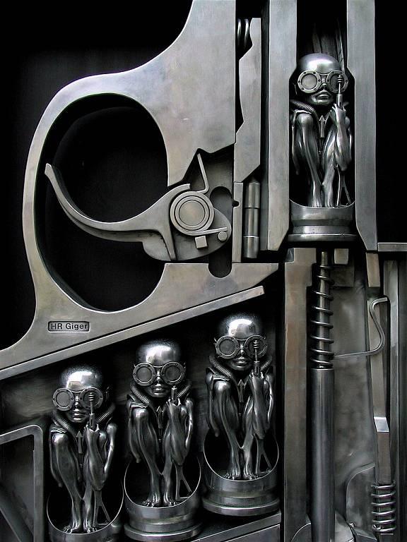 Hans Rudolf Giger, to není jen Vetřelec, ale celá řada dalších futuristických děl. S jeho bio-mechanickým stylem se můžete seznámit v muzeu na zámku St. Germain v Gruyères.