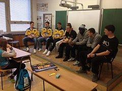 Hokejisté s basketbalisty navštívili žáky ZŠ Vinařská 27dab6a0dd