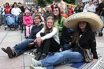 V rámci kultuerní akce Barevná planeta vystoupili v centru Ústí o víkendu desítky cizinců.