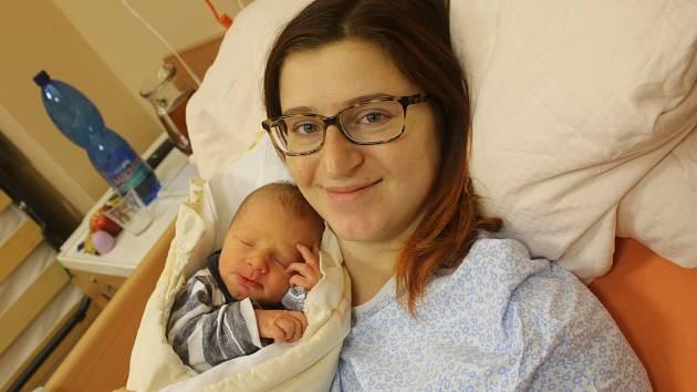 Antonín Mühl se narodil Dominice Mühlové z Ústí nad Labem 27. prosince ve 4.22 hod. v ústecké porodnici. Měřil 50 cm a vážil 3,2 kg
