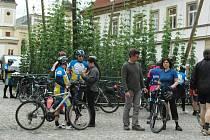 Při zahájení turistické sezony v Dolním Poohří mnozí účastníci pojedou na kole. Kolik jich dorazí do Žatce či ještě dál?