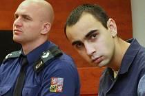 Líčení s Tomášem Badim (na snímku vpravo), obžalovaným z vraždy taxikářky v Ústí nad Labem.