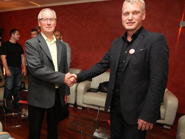 Vyjednávání obudoucí koalici vÚstí nad Labem začalo.