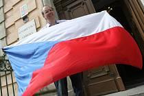 Asi nikdo v Česku se v současnosti nezabývá českou vlajkou tolik jako Aleš Brožek.