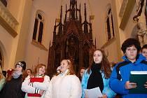 Výroční koncert Chlumeckého dětského sboru (25 let) a Chlumeckého pěveckého sboru (15 let).
