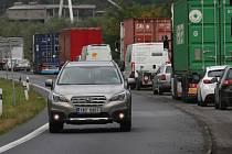 Skoro všechny silnice do Ústí nad Labem se opravují.