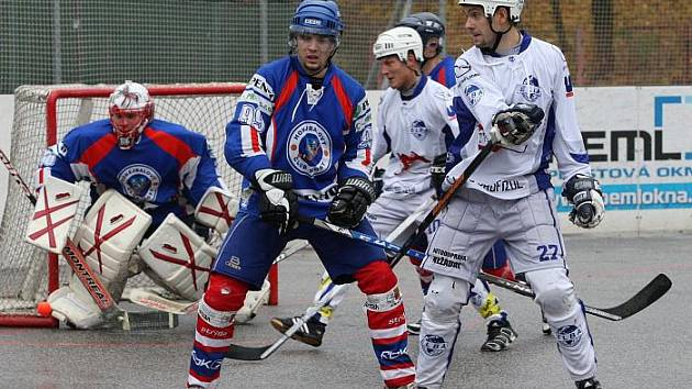 Ústečtí hokejbalisté porazili v derby Pento Most 5:2.