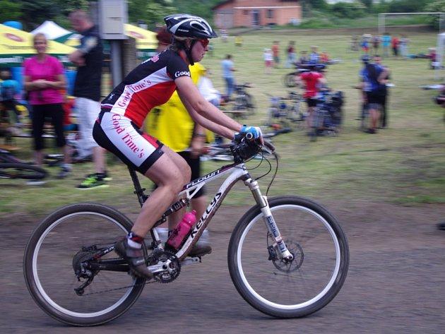 Osmý ročník cyklistického závodu okolo jezera Milada.