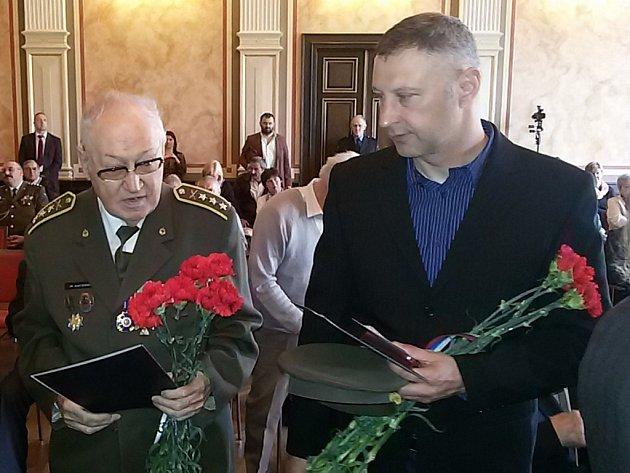 Vyznamenání a pamětní listy převzali osobně veteráni nebo jejich příbuzní.