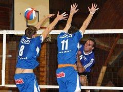 Volejbalisté Chabařovic zvítězili v pokračování druhé ligy na palubovce České Lípy dvakrát 3:1 na sety.