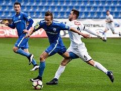 Ústečtí fotbalisté (bílí) prohráli ve Vítkovicích 0:1.