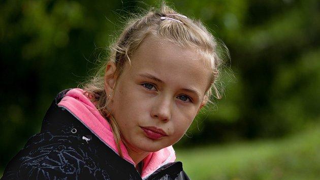 Snímky dívek s Rettovým syndromem
