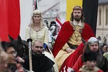 Historický průvod s panovníkem zahájí hlavní část oslav vinobraní v Litoměřicích.