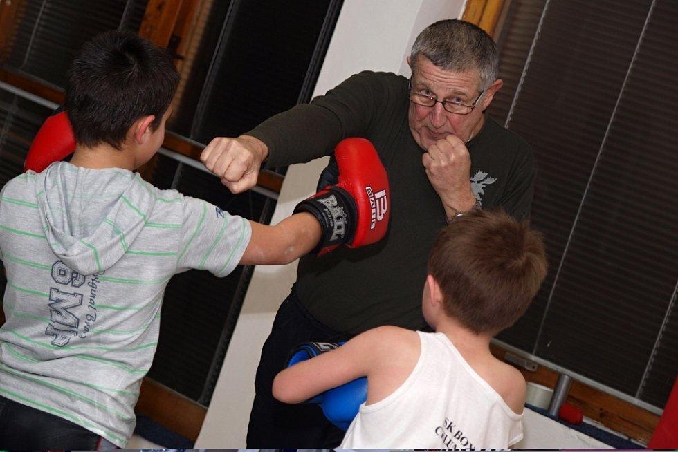 Boxerské legendy RH Ústí nad Labem založily v roce 2011 v Chlumci  vlastní oddíl a vyhledávají v okolí mladé talenty.