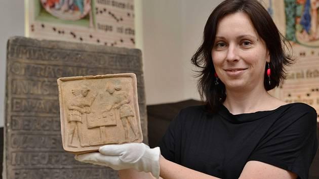 Vedoucí archeologického oddělení ústeckého muzea Eliška Wiesnerová.