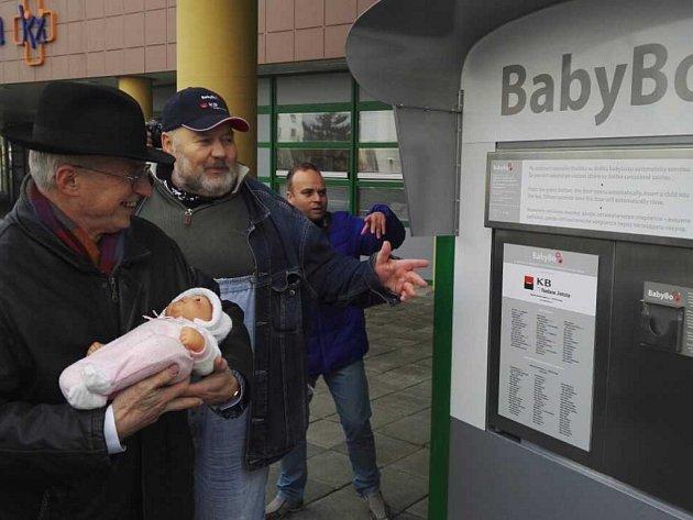 Zprovoznění babyboxu nové generace v ústecké nemocnici