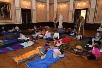 Děti malovaly plastové vojáčky, prohlédly si exponáty a užily si pohádky v Císařském sále.