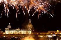 O víkendu se na obou březích Labe v Drážďanech bude slavit, a to ve čtrnácti různých tematických areálech a na čtyřech pódiích.