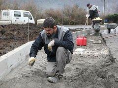 Neštěmice dají na opravy chodníků tři miliony korun. Ilustrační foto.