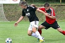 předkolo MOL Cup, Brná-Zbuzany, 16.7.2017Ličku brání Rakishtenliev (vpravo)(foto: Deník/Rudolf Hoffmann)