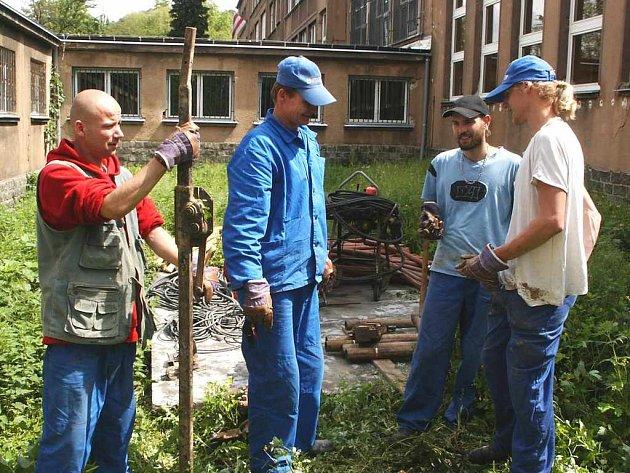 Oprava základní školy na Střekov začíná