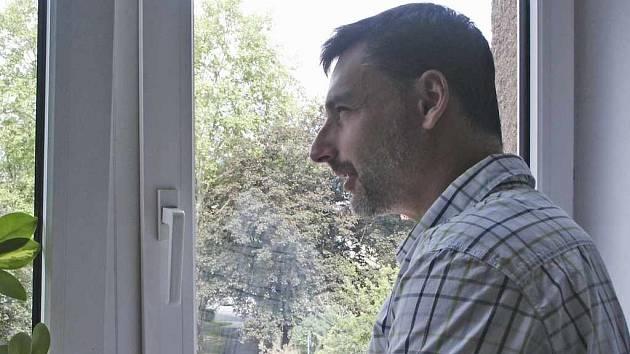 Ubytovna ohrožuje okolí, tvrdí ředitel střekovské základní školy