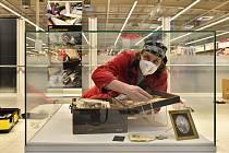 Kde si prohlédnout nové muzejní objevy? V hypermarketu v Trmicích