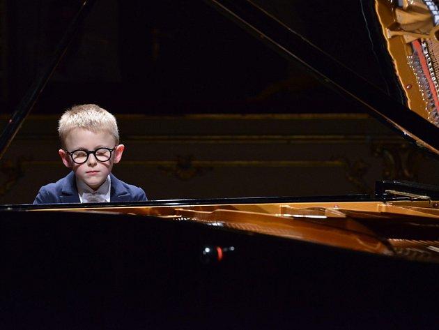 Jan Čmejla (10) vyhrál svou věkovou kategorii.