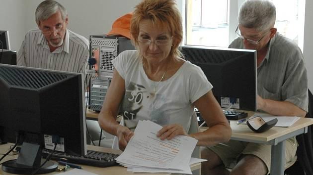 Podnikatelé se v Ústí učí využívat coworkingové centrum.
