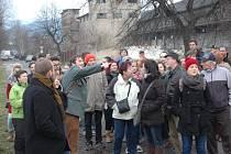 Historik Petr Karlíček zavedl Ústečany na výlet do Předlic.