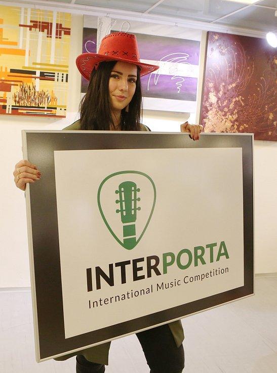 Ani letos nepříjdou příznivci coutry a folku o svojí Portu. Jen se bude jmenovat Interporta.