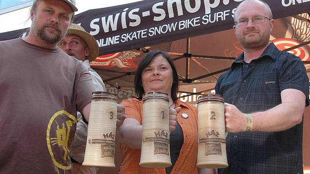 Sami čtenáři Ústeckého deníku měli možnost si zvolit ten nejlahodnější zlatavý mok, který se na druhém Ústeckém pivním jarmarku čepoval.