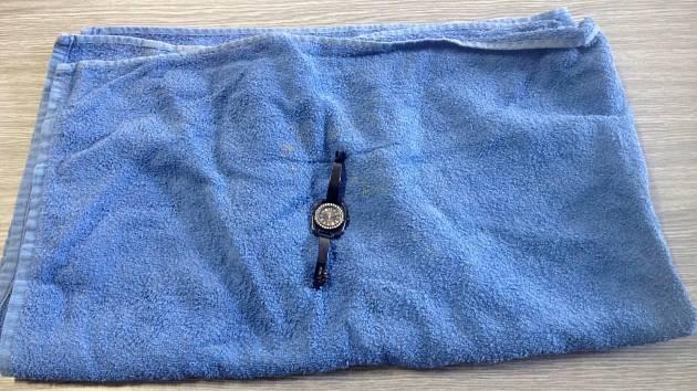 Na břehu Milady zůstaly jen ručník a hodinky