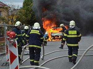 Požár dodávky, ilustrační foto.