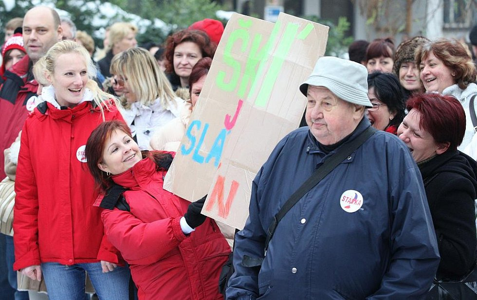 Průběh prosincové stávky na Lidickém náměstí v Ústí nad Labem.