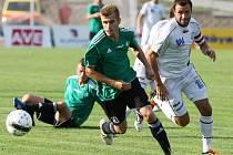 Po pohárové výhře nad Mostem 2:0 dokázali ústečtí fotbalisté (vpravo Dvořák) zvítězit i na půdě Čáslavi.