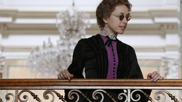 Tatiana Vilhelmová při natáčení seriálu Já, Mattoni.