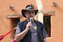 Ředitel ústecké zoo Jiří Bálek v mexickém stylu.