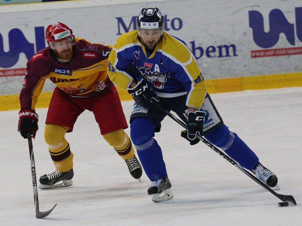 Legenda WSM Ligy Jaroslav Roubík (vpravo) bude nadále oblékat dres Slovanu Ústí.