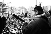 Generální stávka na Mírovém náměstí.