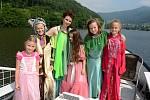 Marie vezla piráty, víly i princezny