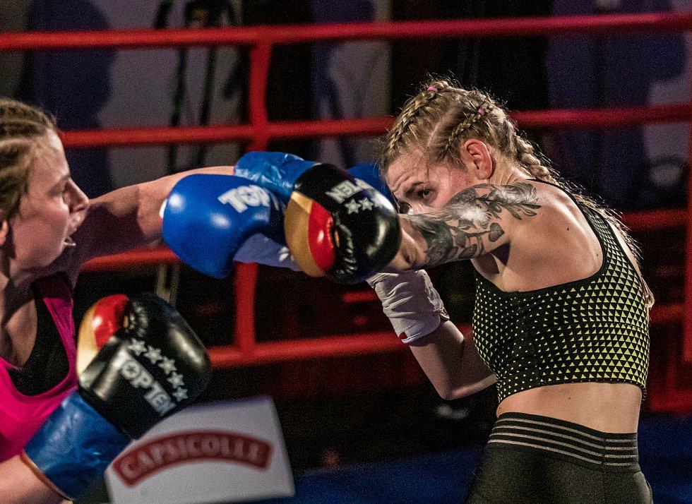 Fabiana Bytyqi proti Judit Hachboldové.