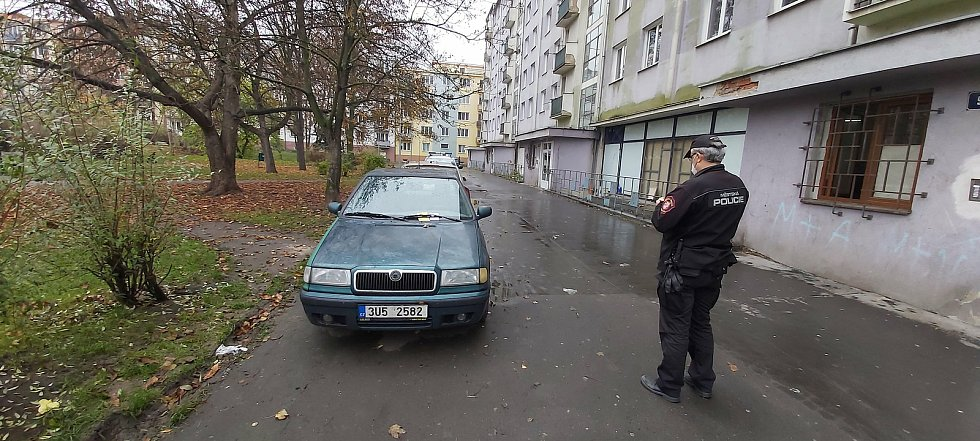 Kontrola pořádku a dodržování protiepidemických opatření Městskou policií v Ústí nad Labem.
