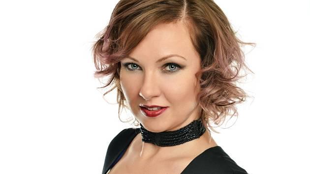 Petra Vélová je v pořadí třetí proměněnou dámou ve třetím ročníku soutěže, která pokaždé trvá tři měsíce.